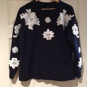 XL blue and white detailed crew neck sweater
